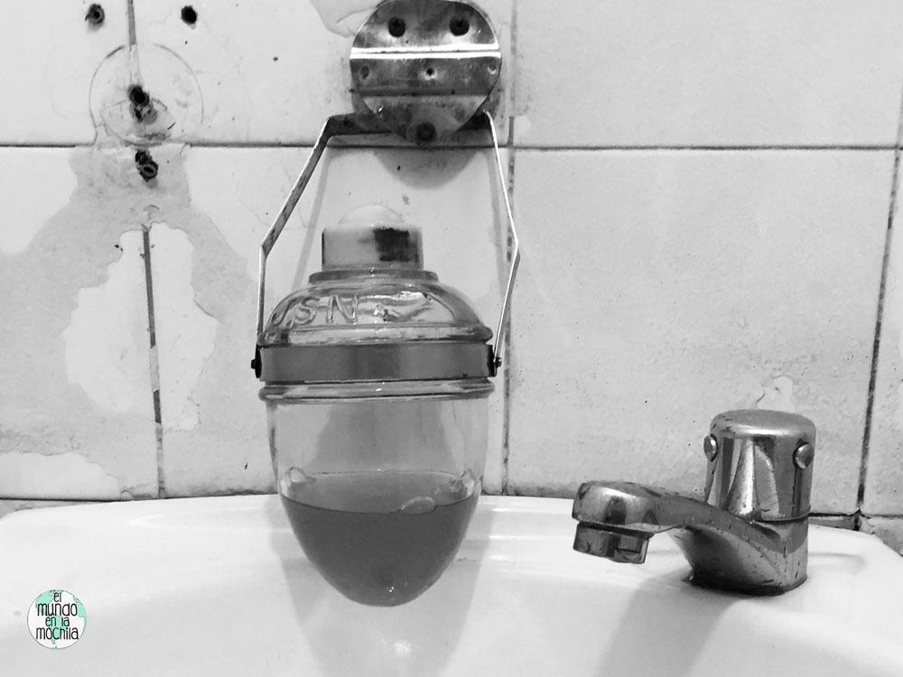 Lavamanos del baño del Bip Bip de Rio