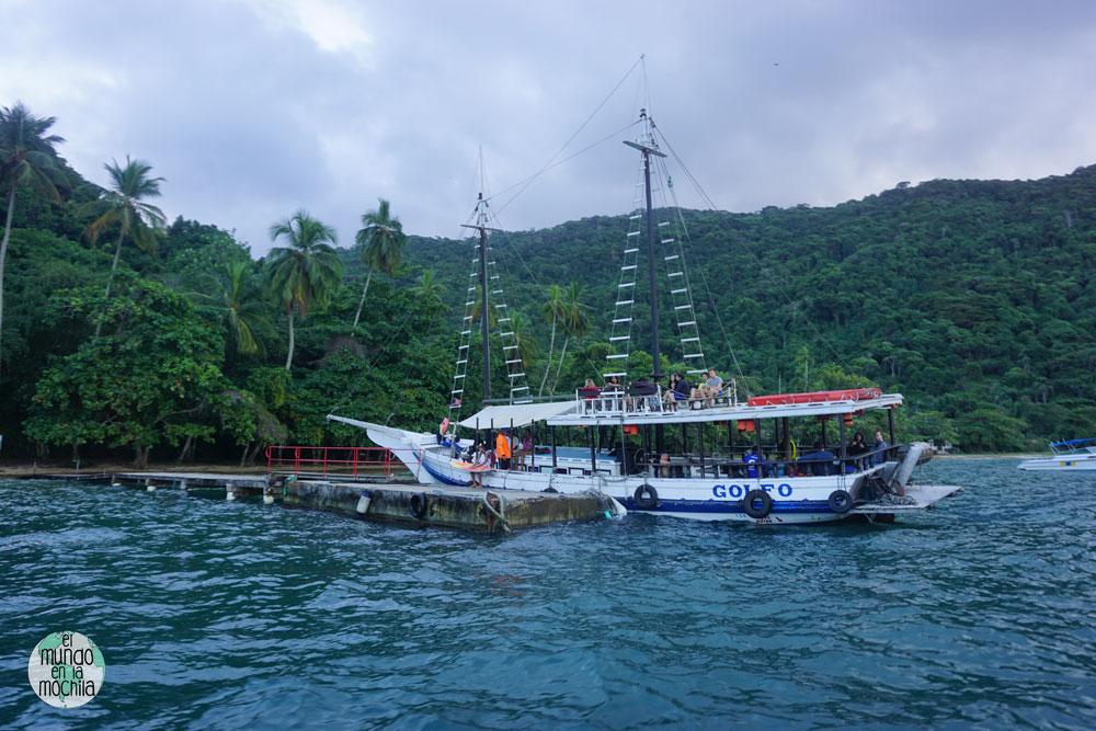 barco pouso ilha grande