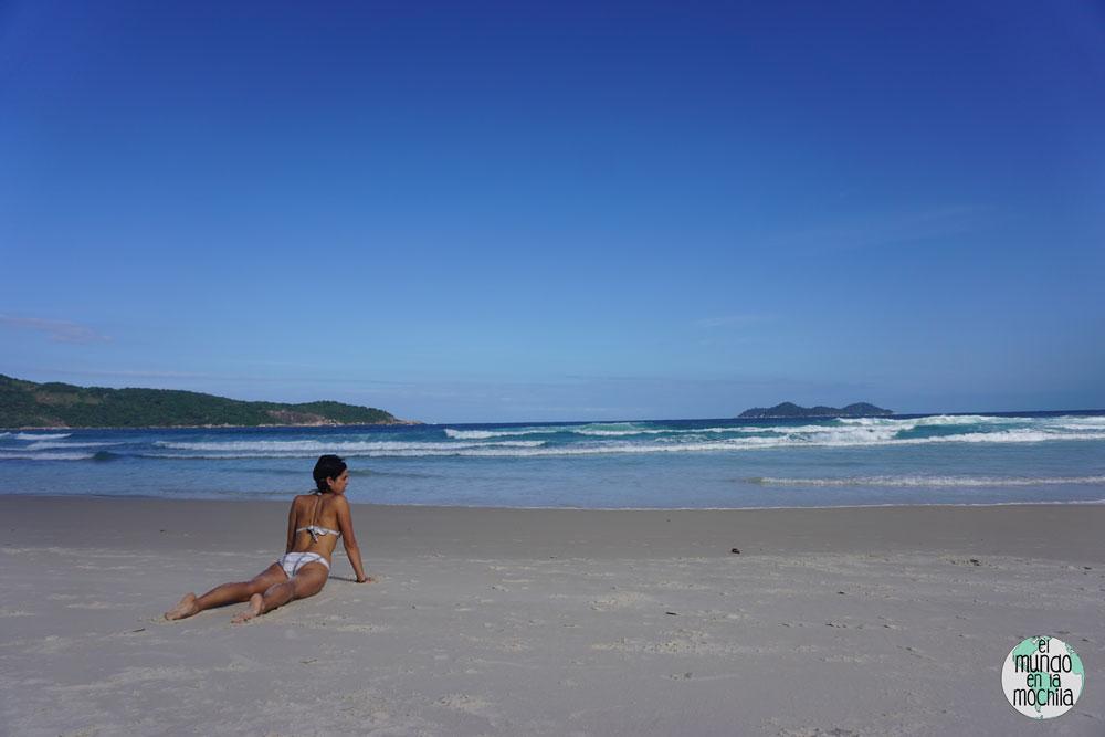 yoga praia lopez mendez ilha grande