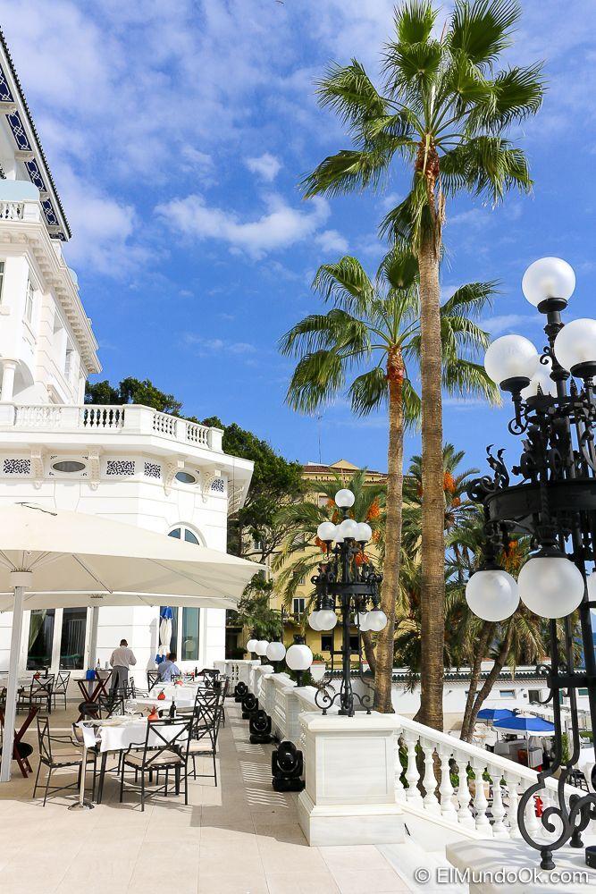La Terraza Real con un cielo azul. Gran Hotel Miramar.