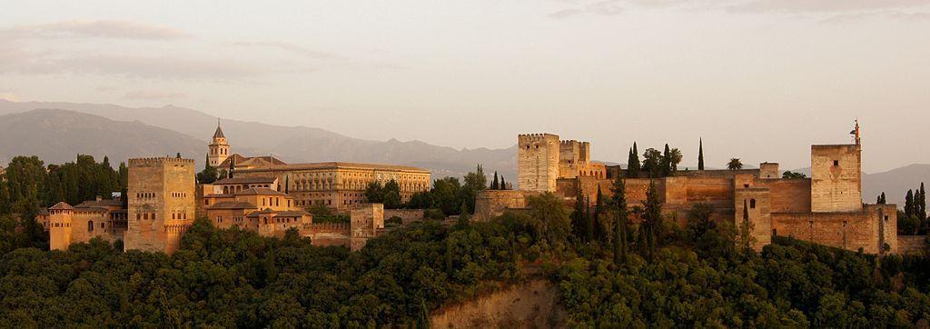 El atardecer de La Alhambra, Granada, vista desde el mirador de San Nicolás.