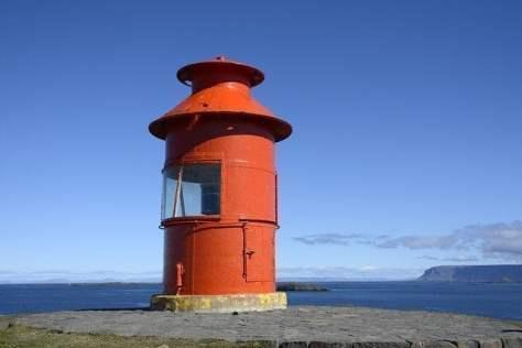 lighthouse-1594834_640