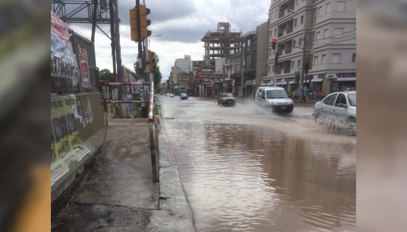 AvRivadavia inundada