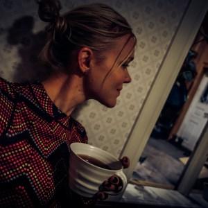 Dricka te i underställ en vinterkväll