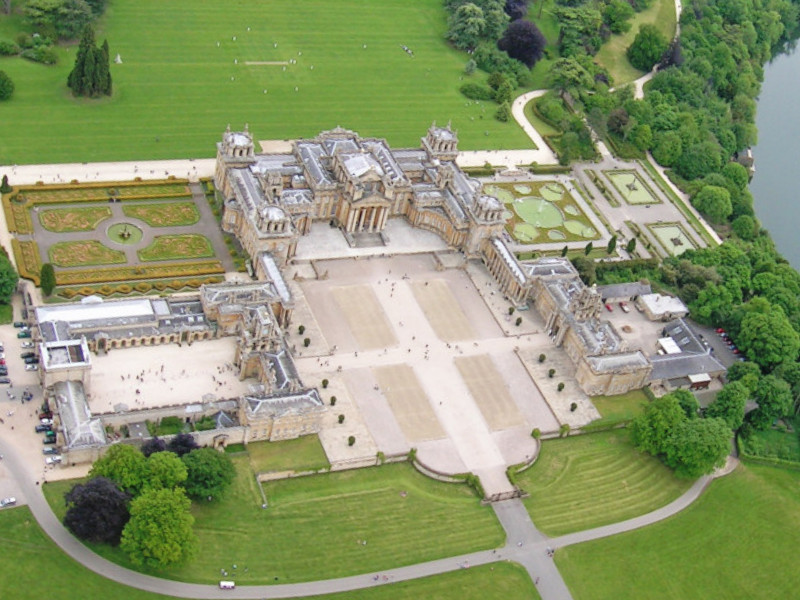Blenheim-Palace-aerial-photo-1