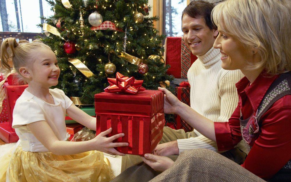 Family-Christmas-Gift-Exchange.jpg
