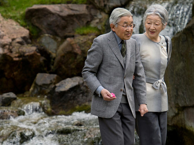Japan's Emperor Akihito (L) and Empress