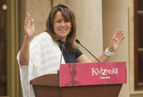 Margarita Zavala  reunió 2.5 mdp para su campaña