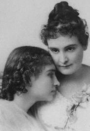 Helen y Anne, amigas en la oscuridad