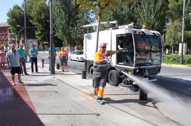 El Ayuntamiento de Caravaca inicia una campaña de limpieza viaria intensiva por barrios