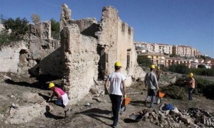Tongo en los campos de trabajo de arqueologia de Caravaca