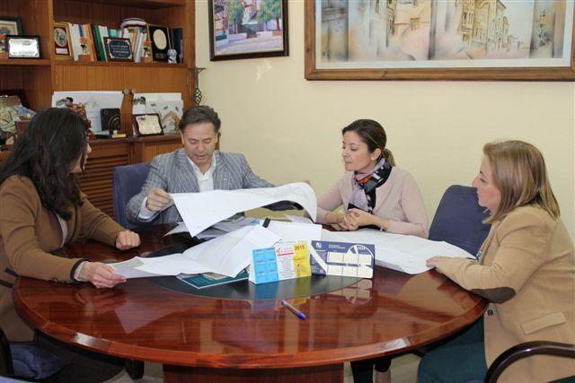 Se inicia en Bullas la primera fase de construcción de la pista cubierta del Colegio Ródenas