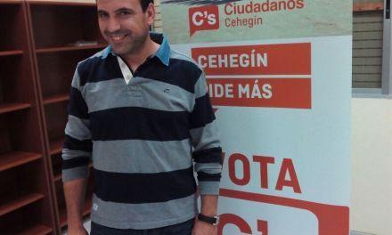Jerónimo Moya explica en Cañada de Canara las medidas de Ciudadanos Cehegin relacionadas con la economía de la zona