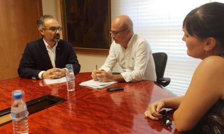 La Comunidad Autónoma se compromete a potenciar el turismo religioso, clave para la economía de Caravaca