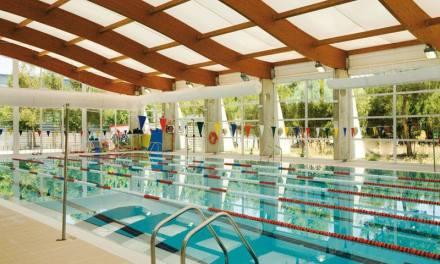 Regresa la temporada de nado en la piscina climatizada de Bullas
