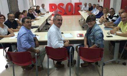 """Los ayuntamientos socialistas de la región se incorporan a la """"red de ciudades-refugio"""""""