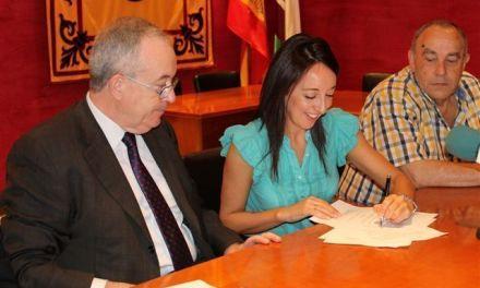 La Fundación Cajamurcia renueva su convenio de colaboración con el Ayuntamiento y los clubes de tercera edad de Bullas y La Copa