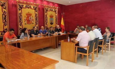 La Alcaldesa de Bullas y el Concejal de Agricultura se reúnen con agentes de Seguridad y cooperativistas