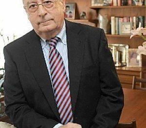 """""""Los muros de la opacidad solo se derriban con la fuerza de las ideas"""", José Molina Molina"""