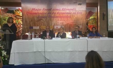 """Martínez-Cacha destaca en Caravaca el """"imprescindible papel de la mujer rural en el desarrollo económico y agrario regional"""""""