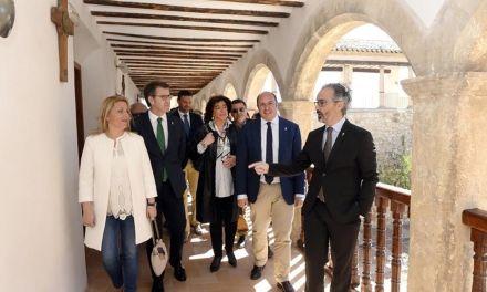 Murcia y Galicia estrechan la colaboración para unir los caminos de la Cruz de Caravaca y Santiago de Compostela