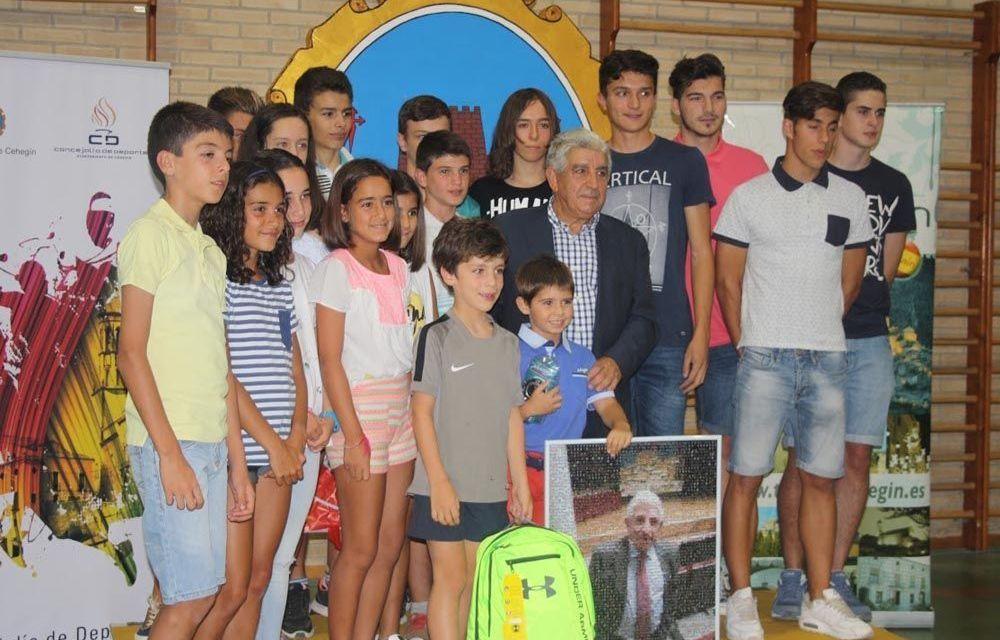 Rosendo Berengüí Álvarez recibe el cariño de Cehegín como homenaje a su trayectoria deportiva