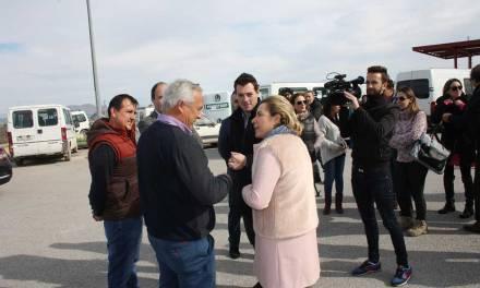 El Alcalde de Cehegín solicita ayuda a la Consejera de Agricultura en su visita a los invernaderos afectados por las nevadas