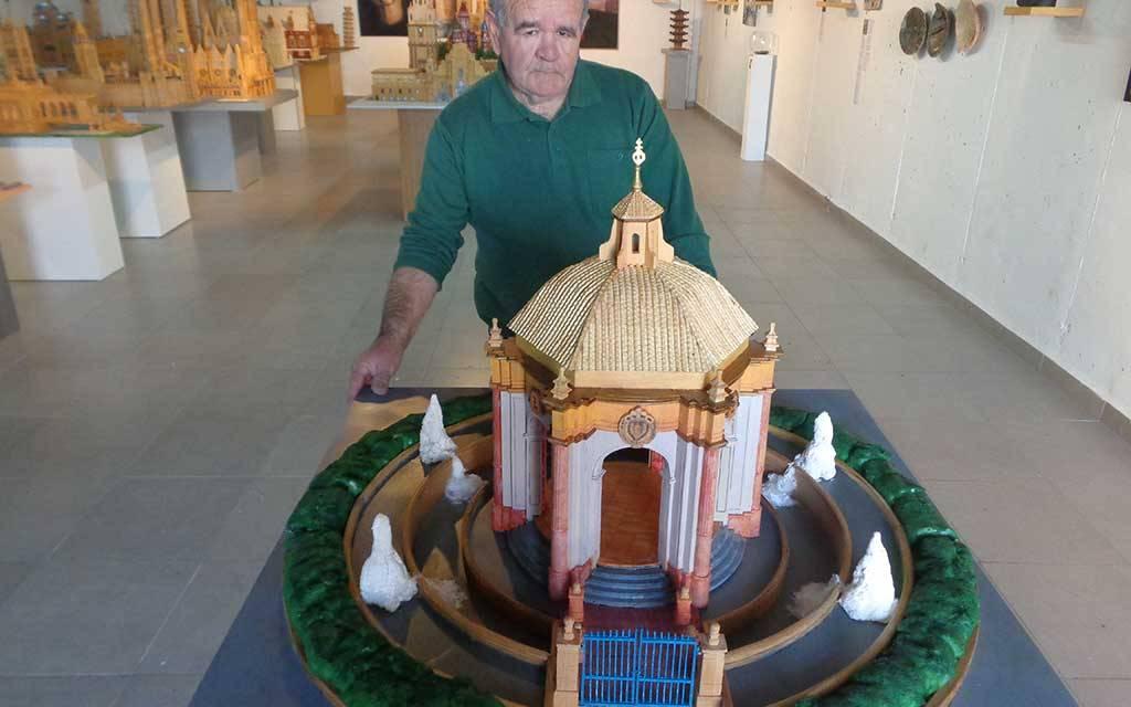 El Templete de Caravaca de la Cruz ya luce en el Museo Alfonso Fernández Jiménez en Bullas