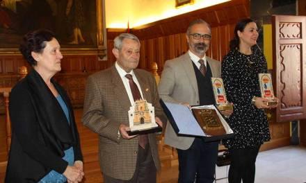 Las candidatas a reinas y damas de la Federación de Mayores de Murcia visitan Caravaca