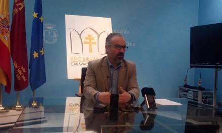 El Alcalde muestra su apoyo a la Concejal de Turismo y acusa a PP y Ciudadanos de deteriorar la imagen de Caravaca