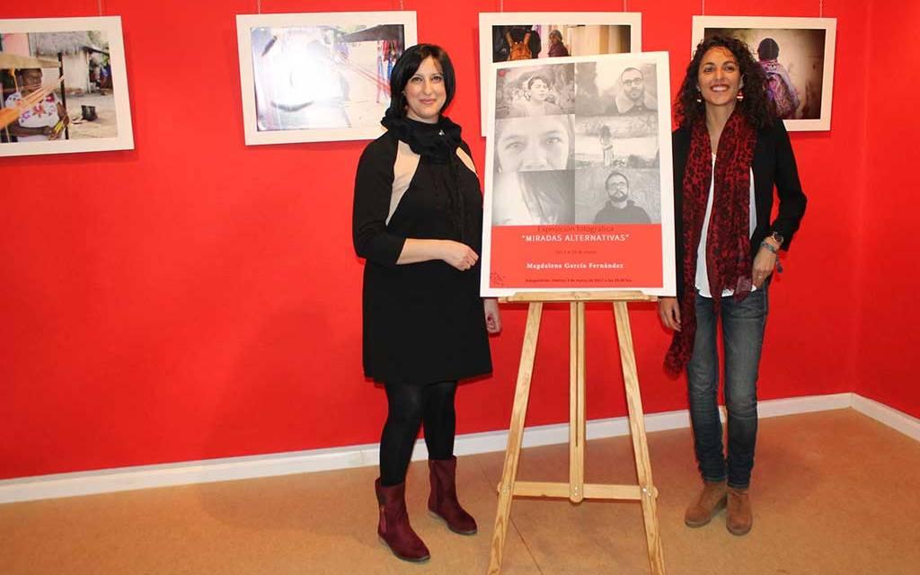 Magdalena García Fernández presenta en Bullas la exposición 'Miradas alternativas'
