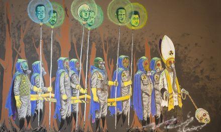 Un artista murciano utiliza la imagen de un paso de Semana Santa para denunciar el deterioro del planeta y el avance del capitalismo salvaje