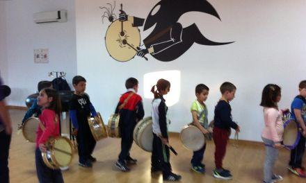 La Escuela del Tambor de Mula afianza la cantera de tamboristas muleños