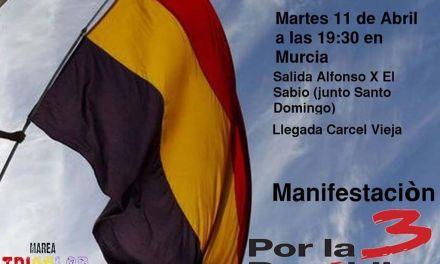 La Marea Tricolor se manifiesta en Murcia