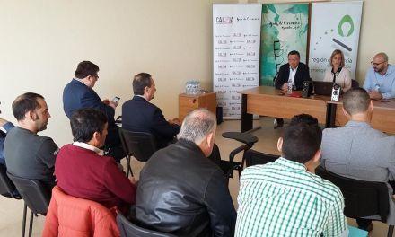El Gobierno regional presenta a la Asociación del Calzado de Caravaca las ayudas para hacer el sector industrial menos contaminante