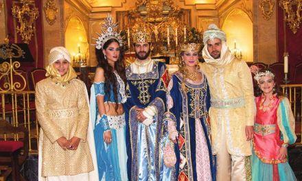 Los Reyes son coronados