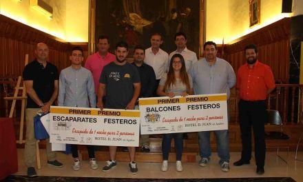 Festejos entrega los premios de 'Balcones y Escaparates Festeros' y el concurso en Instagram de las Fiestas de Caravaca