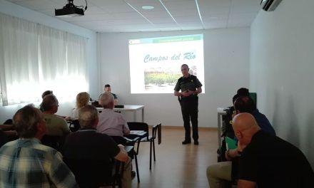 La Guardia Civil de la Región de Murcia imparte una charla a agricultores y ganaderos de Campos del Río para evitar robos en las explotaciones del campo