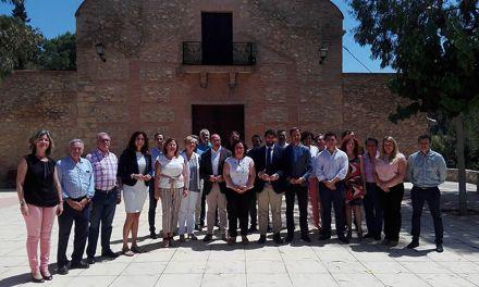 Respaldo de los alcaldes del PP a la regidora de Pliego que critica a Ciudadanos entregar el gobierno a la izquierda