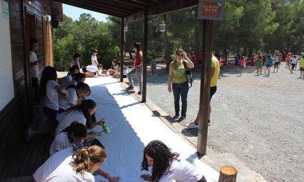 """Los participantes del concurso """"Medioambientados"""" celebran un día de convivencia en el Parque de Turismo Activo """"Coto de las Maravillas""""."""