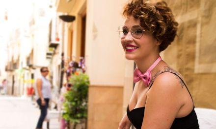 La bandada solidaria de Vera Cascales para apoyar la lucha contra el cáncer