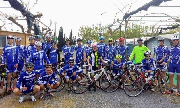 Siete cadetes del Club Triatlón Caravaca debutan en Bañolas