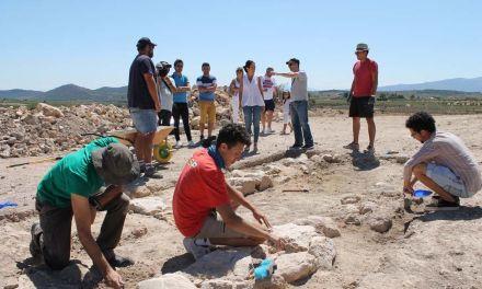 Comienza el Curso Internacional de Arqueología en Los Cantos de Bullas