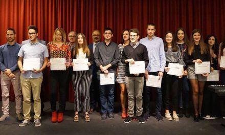 La Concejalía de educación de Caravaca premia da trayectoria de los estudiantes con los mejores expedientes académicos