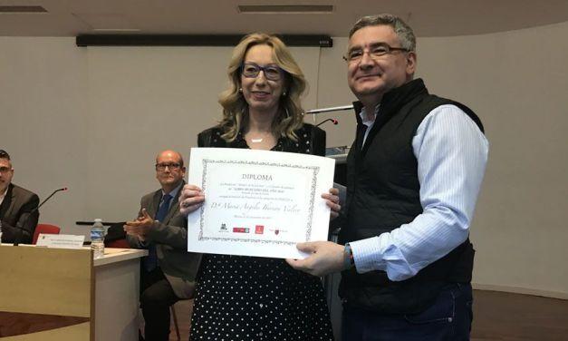 Mariángeles Ibernón, finalista al Libro Murciano del Año 2016