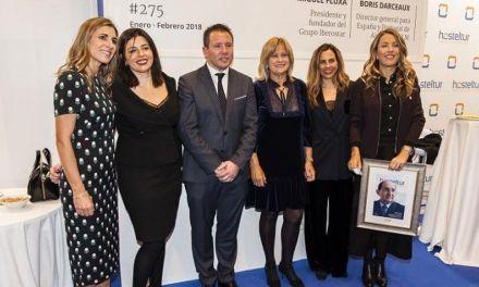 La familia de Pablo Piñero recoge el premio a la Personalidad Turística