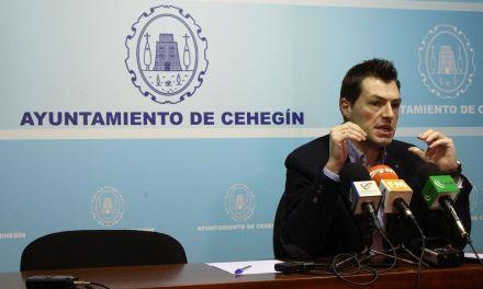 """José Rafael Rocamora: """"Si nadie nos ayuda construiremos el pabellón Loli de Gea con recursos municipales"""""""