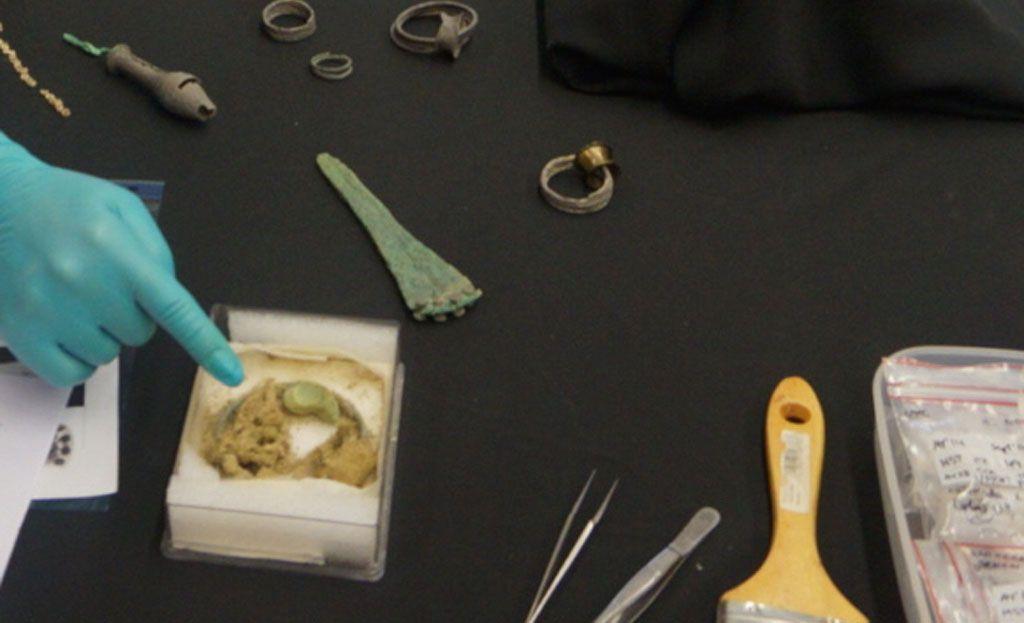 La Comunidad depositará parte de las piezas halladas en el yacimiento argárico de La Almoloya en el Museo Ciudad de Mula