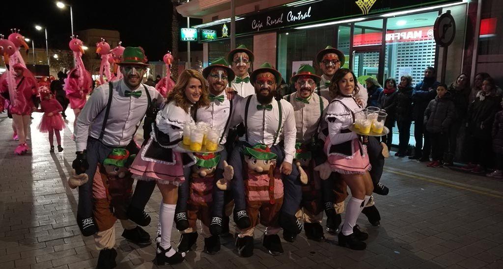 Bullas se tiñe de color en su Gran Desfile de Carnaval