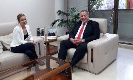 La alcaldesa de Campos del Río se reúne con el delegado del Gobierno en la Región de Murcia